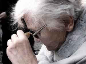 טיפים להתמודדות עם אלצהיימר ודמנציה
