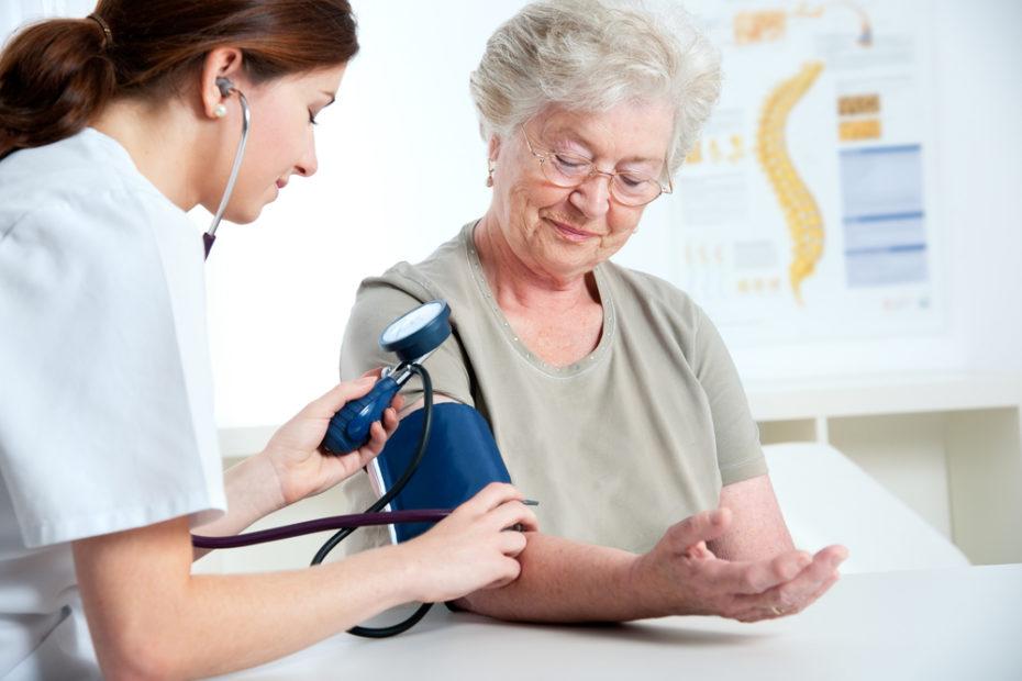 טיפול בקשישים בבית
